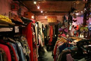 secondhand-first-lucys-lounge-dublin-L-ojhAn3